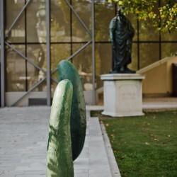 © Salzburg Foundation, Foto: Wolfgang Lienbacher © für die Werke von Erwin Wurm: VG Bild-Kunst, Bonn