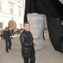 Enthüllung der Skulptur, v.l.n.r. Prof. Dr. h.c. mult. Reinhold Würth, Jaume Plensa, Mag. Gabi Burgstaller