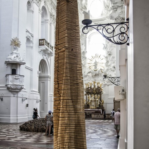 David Nash, Crack and Warp Column / Foto: Andreas Kolarik