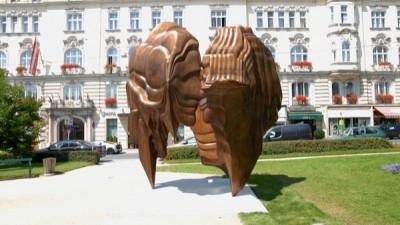 Tony Cragg 'Caldera' am Makartplatz, Salzburg