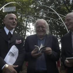 Enthüllung des Werks am 16. August 2003, v.l.n.r. Markus Lüpertz, Mario Merz, Wulf Matthias