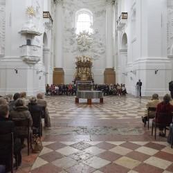 Publikum der Eröffnung.